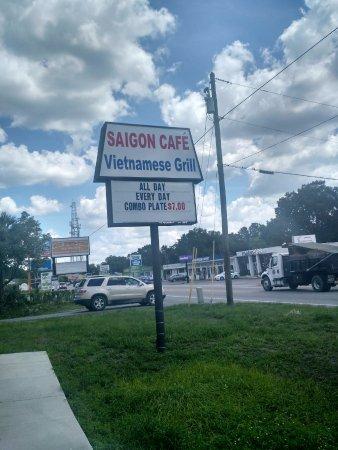 Zephyrhills, FL: It's a business sign, folks.
