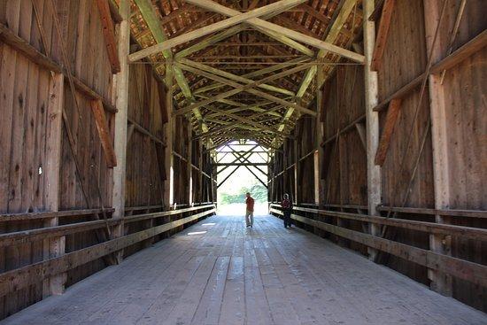 Felton, كاليفورنيا: Inside the Bridge