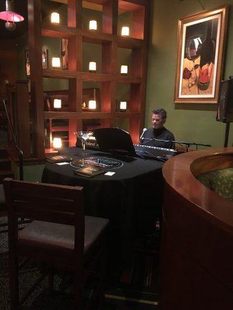 Loveland, CO: Piano Bar atmosphere on Thursday and Friday's