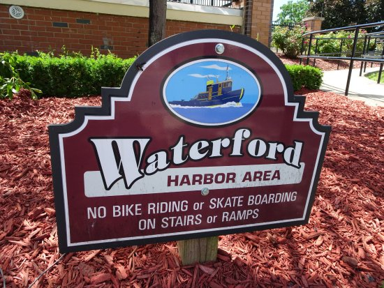 Waterford, NY: sign