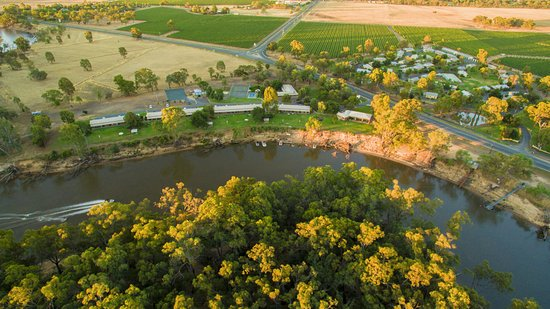 Moama, Australia: A picturesque overhead shot of Cadell and surrounds