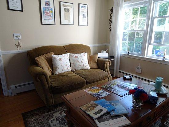 Bristol, RI: guest living room