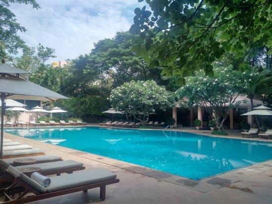 The Leela Palace Bengaluru: Main entrance, lobby and pool area