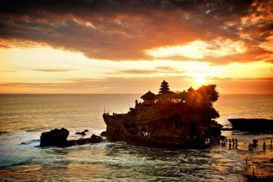 Lovina Beach, Indonesia: Tanah Lot temple