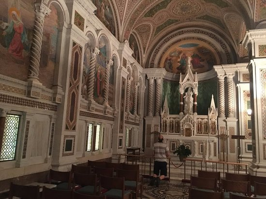 side chapel - Picture of Cathedral Basilica of Saint Louis ...