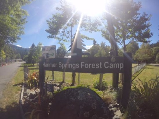 Hanmer Springs, Nowa Zelandia: Welcome to the Forest Camp