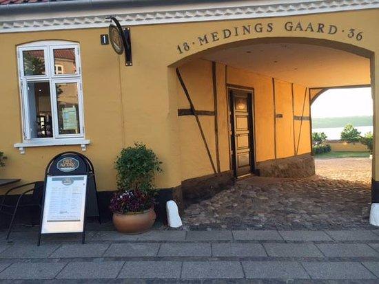 Skælskør, Danmark: Indgang til Cafe Nytorv