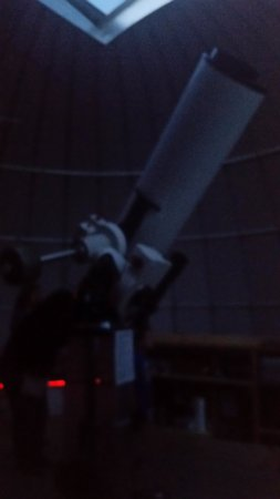 ‪‪Southold‬, نيويورك: This is the huge telescope in the main dome through which I saw Jupiter.‬