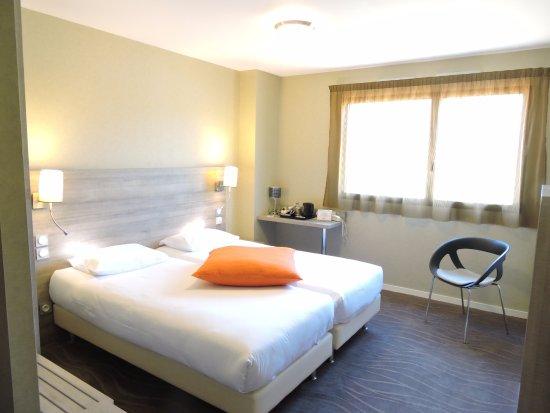 Hotel kyriad auray carnac france voir les tarifs for Prix chambre kyriad