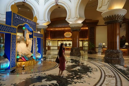 Palace of the Golden Horses: Picture in the lobby area