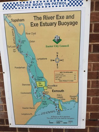 Exminster, UK: Took the Topsham/ Turk small ferry over the River Exe to the Exeter canal for lunch.
