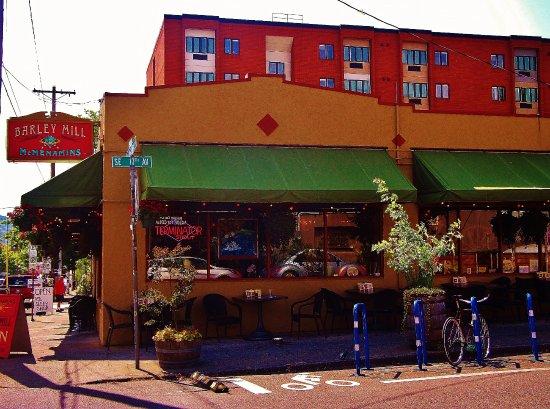 Barley Mill Pub: Barley Mills Pub on Hawthorne