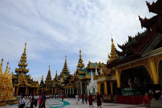 Shwedagon Pagoda: photo2.jpg