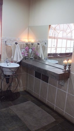 Sabie, South Africa: Rhino Room Bathroom