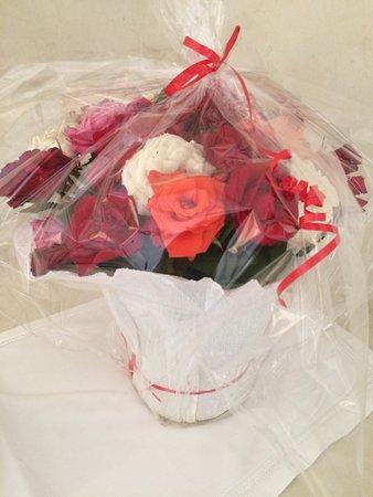 Bouquet De Roses Offert Pour Notre Anniversaire De Mariage