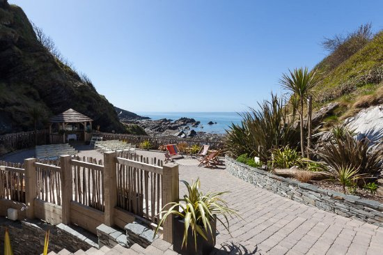 Ilfracombe, UK: Get married in a thatched Gazebo, overlooking the sea!
