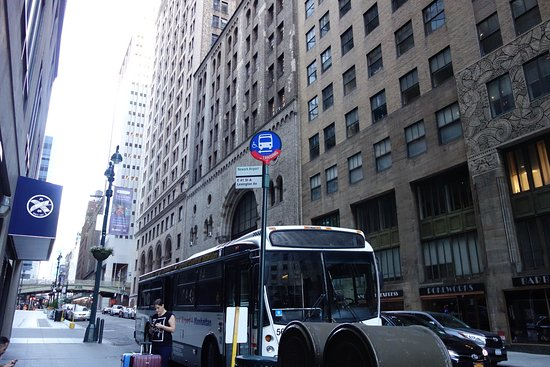 Newark Liberty Airport Express: Lexington Ave E41St. グランドセントラル駅バス停