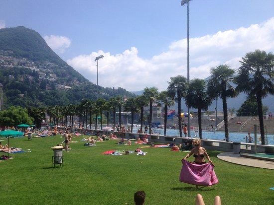 Lido di Lugano: Das Schwimmstdion mit Liegewiese