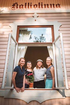 Kalliolinnan yrittäjäpoppoo on tutustunut toisiinsa Savonlinnan opettajankoulutuslaitoksella