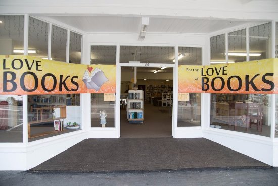 Featherston, Nuova Zelanda: Welcome to our Bookshop!