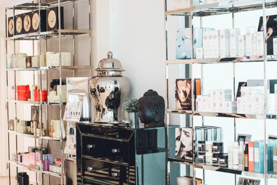 The Chi Spa: Beauty shop