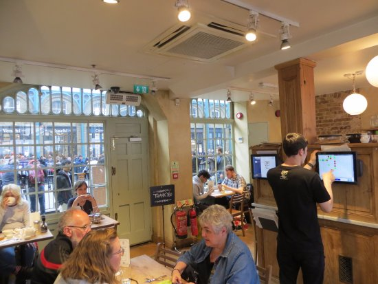 Le Pain Quotidien: The Ground-Floor area where we enjoyed our Snacks