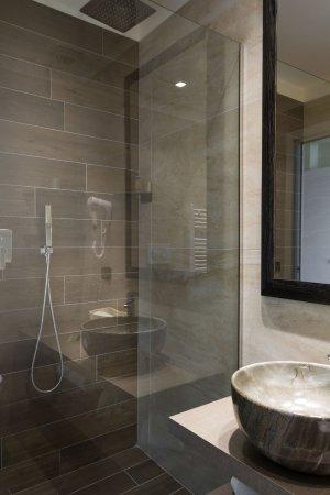 Fito Suite: Sala da Bagno - Picture of Litoraneo Suite Hotel ...