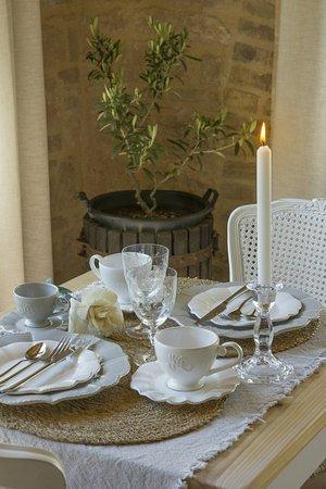 Gualdo Tadino, Italia: Particolare della intima e romantica colazione con prodotti fatti in casa e artigianali a km zer