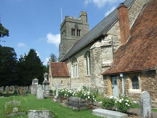 Smarden, UK: Local 13th century church