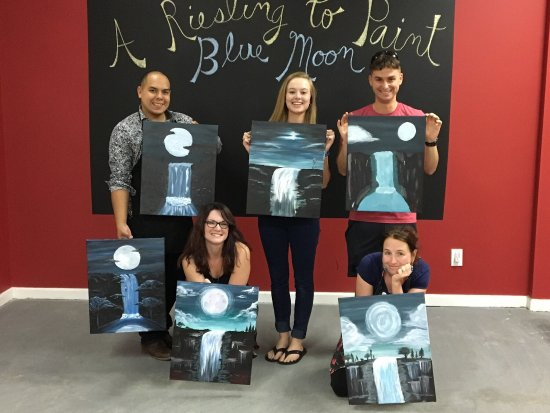 Grovetown, GA: A Riesling To Paint