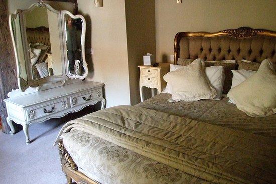 Smarden, UK: Bedchamber: Guinevere