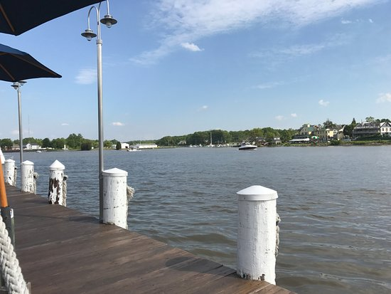 Chesapeake City, MD: Canal view