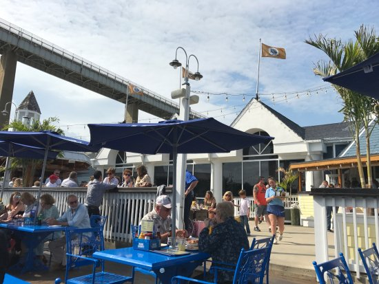 Chesapeake City, MD: Dining and Bar area