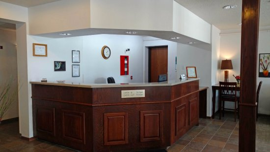 Northfield, MN: Front Desk