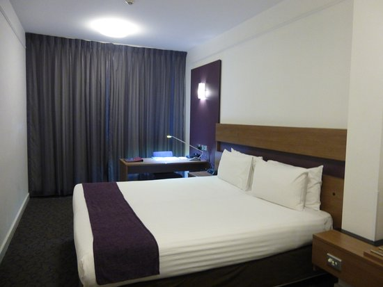 Quality Hotel Ambassador Perth: シングル2つのベッド
