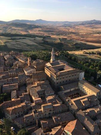 Montisi, Ιταλία: Views over Pienza