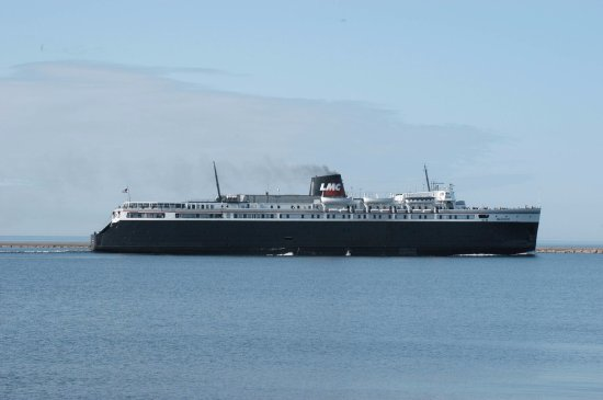 The largest ferry ever to cross Lake Michigan - Picture of S S