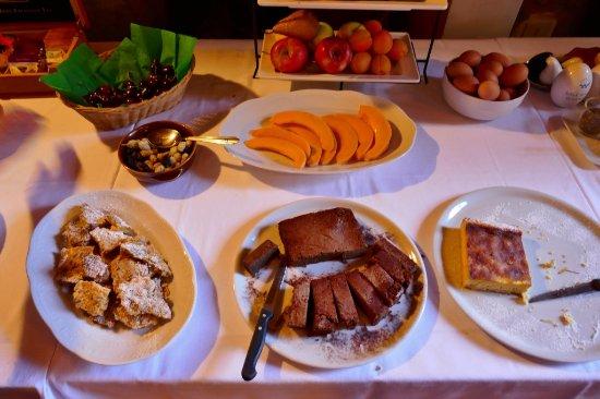 Kuchen Geback Und Obst Picture Of Corte D Aibo Monteveglio