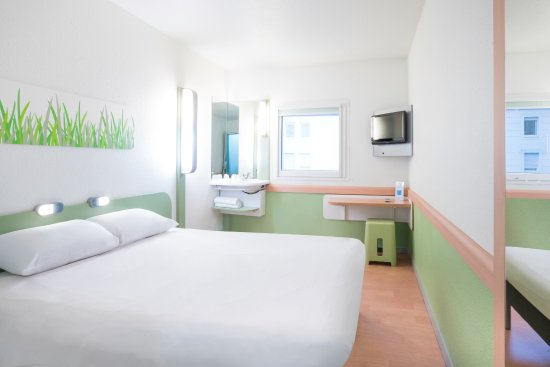 Ibis budget paris porte de montmartre updated 2018 prices hotel reviews france tripadvisor - Ibis budget porte chapelle ...