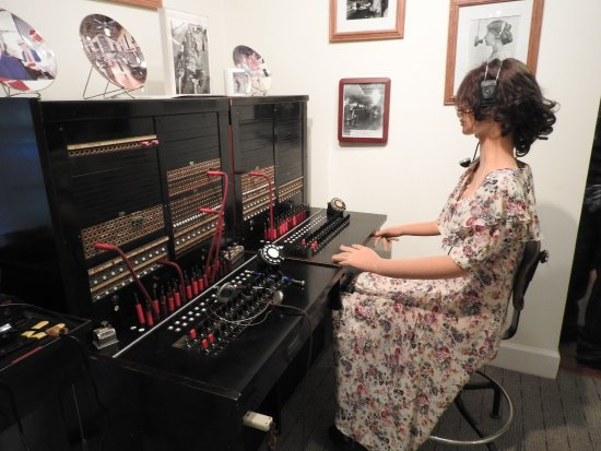 Hinesville, GA: The switchboard operator who would connect you