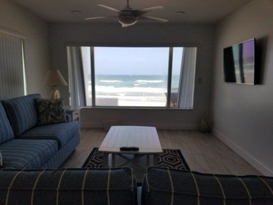 Hillsboro Beach, FL: This is a view from room 116