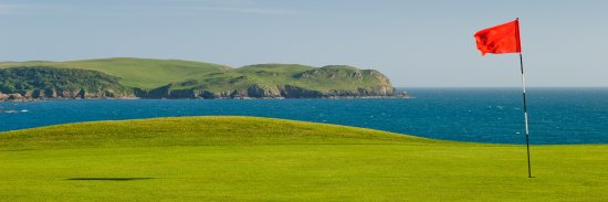 Thurlestone, UK: Second green looking towards Bolt Tail, South Devon.