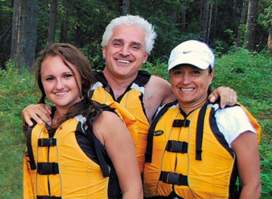 Charlemont, MA: Rafting at Crab Apple always brings smiles!