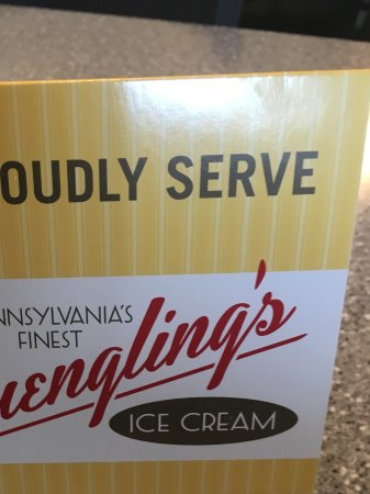 Mount Holly Springs, PA: Big selection of ice cream, 24 flavors soft serve plus Pennsylvania's finest