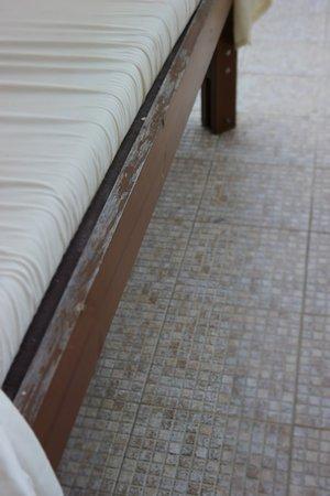 IBEROSTAR Sunny Beach Resort: ligbed terras afgebladerd en compleet verouderd!