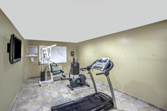 Blythe, CA: fitness room