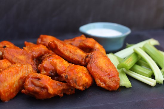 Middleburg Heights, OH: Wings