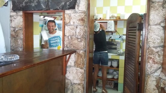 Tam Tam Bar: Friendly Staff