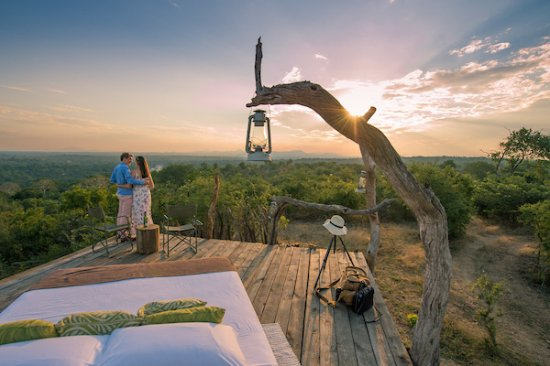 Mkulumadzi Lodge: Mkulumadzi star bed. Spend a night gazing at the stars in the open wilderness