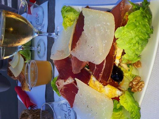 La Bastide Clairence, Francja: 20170616_205257_large.jpg